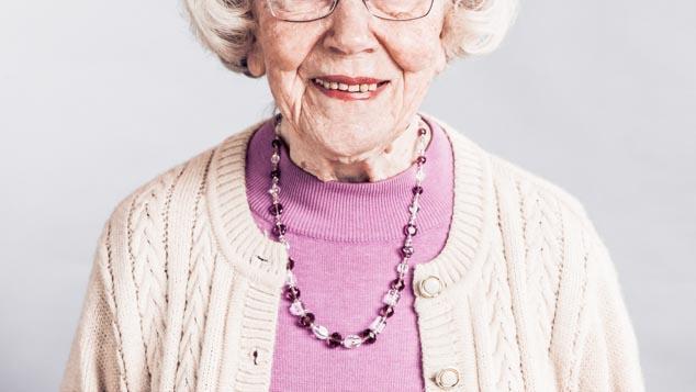Vanhuksilla juurikaries on muuta väestöä yleisempää.